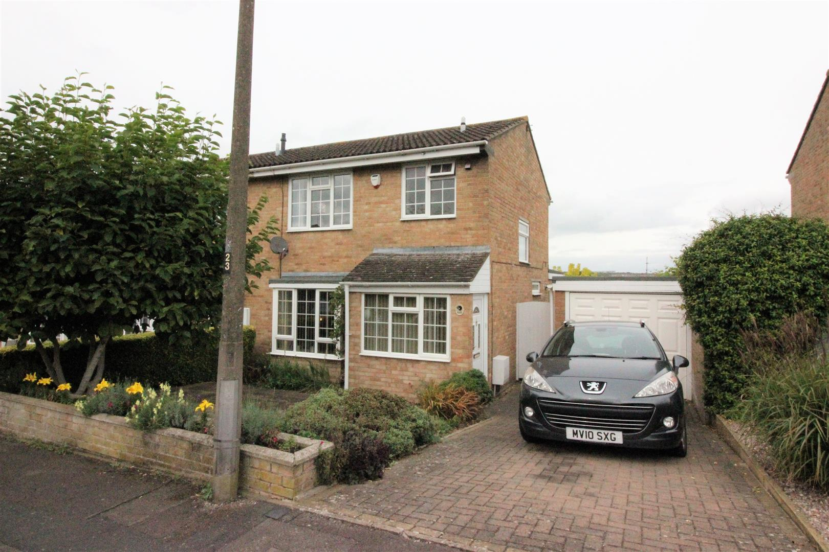 3 Bedrooms End Of Terrace House for sale in Avonmead, Swindon